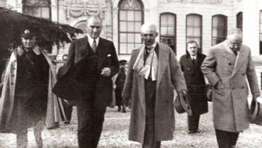 Lozan Barış Antlaşması ve Türk Dış Politikası